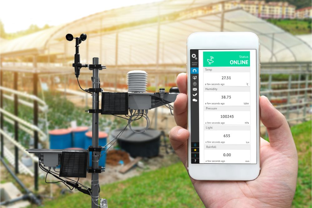 monitoring weather data with cellphone